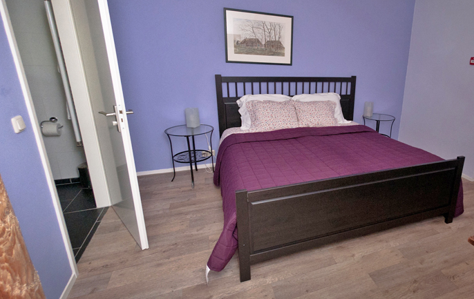 Paarse kamer - Beige kamer en paarse ...